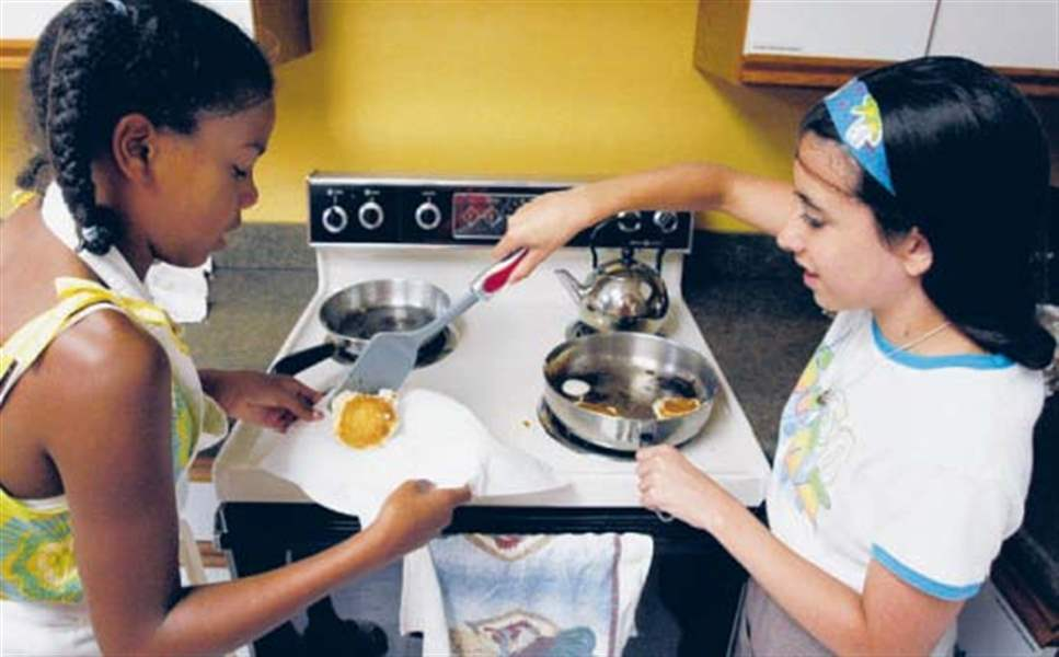 Cooking-up-fun-YMCA-s-summer-Culinary-Camp-gives-kids-hands-on-experience-3