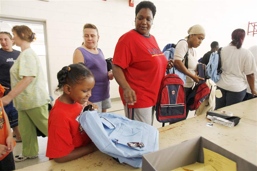 Toledo-Salvation-Army-helps-students-get-ready-for-school