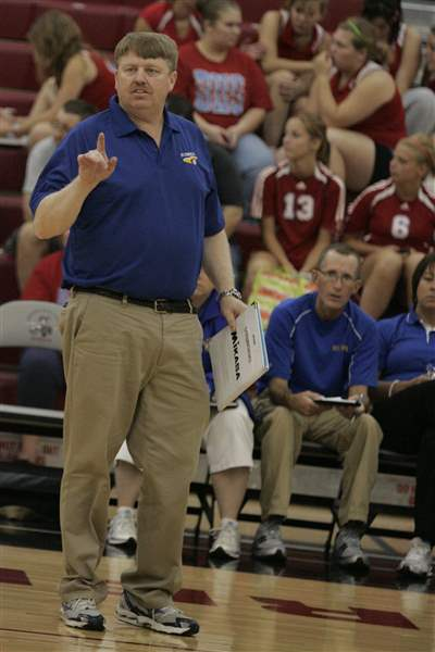 Sidelines-St-Ursula-has-ingredients-again-to-make-run-at-state-title-4