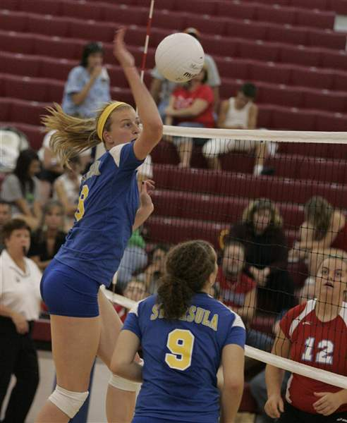 Sidelines-St-Ursula-has-ingredients-again-to-make-run-at-state-title