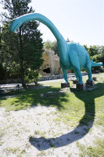 Cool-kitsch-Odd-attractions-that-dot-our-roadsides-are-true-Americana-3
