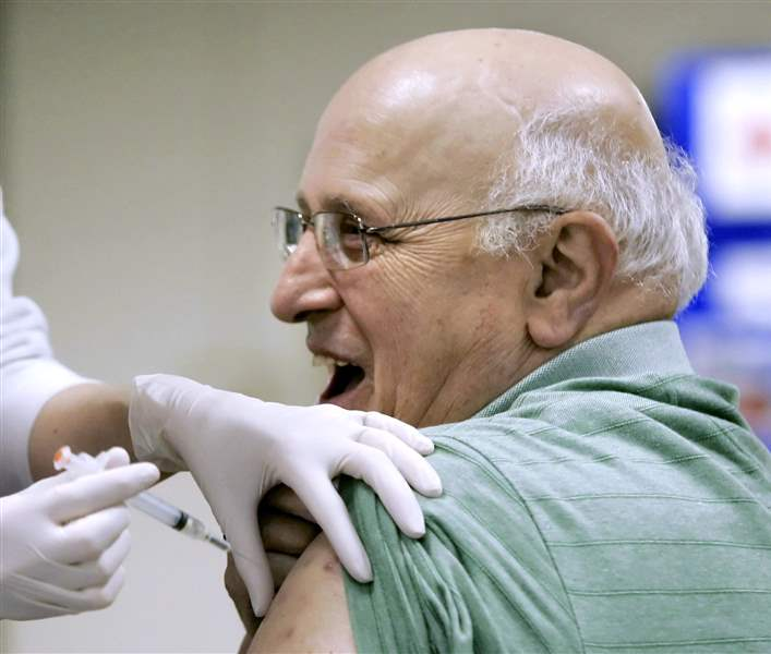 Hundreds-turn-out-for-flu-shots-in-Wood-County-2