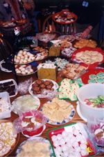 Trading-treats-At-cookie-exchanges-guests-enjoy-sweet-traditions-2