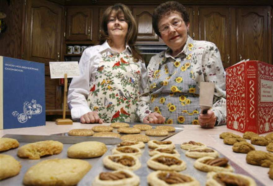 Trading-treats-At-cookie-exchanges-guests-enjoy-sweet-traditions