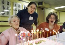 Toledoan-celebrates-100th-birthday-with-nearly-100-friends-2