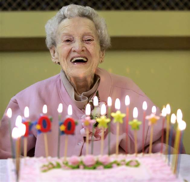 Toledoan-celebrates-100th-birthday-with-nearly-100-friends