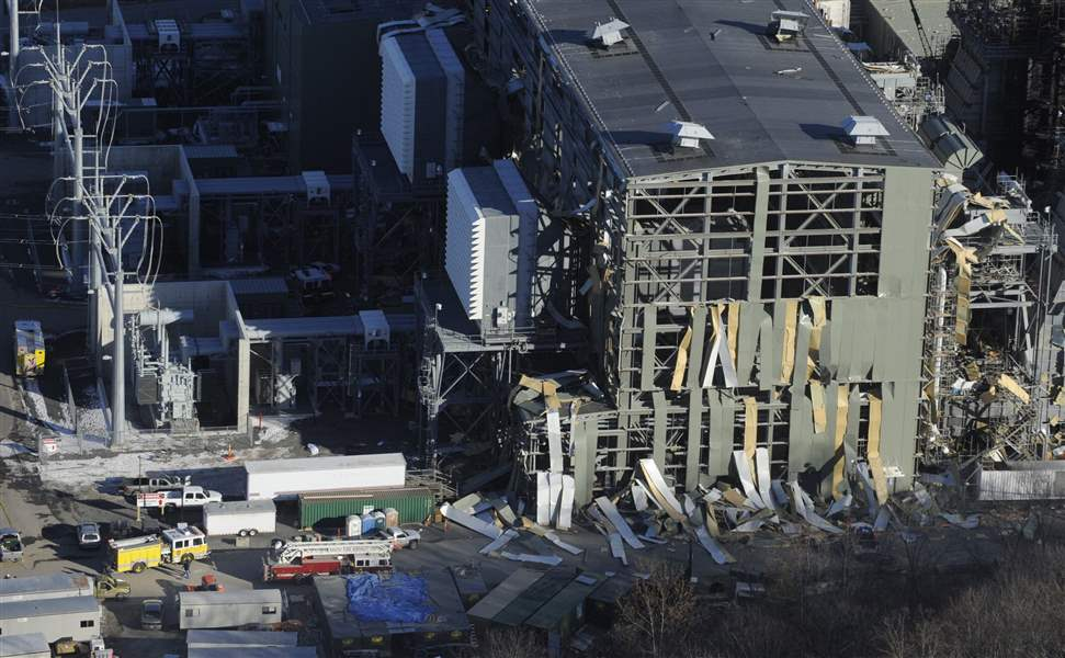 Blast-kills-5-at-partly-built-power-plant-in-Connecticut-2