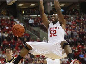 Ohio State's Dallas Lauderdale dunks the ball for two of his 14 points against Michigan.