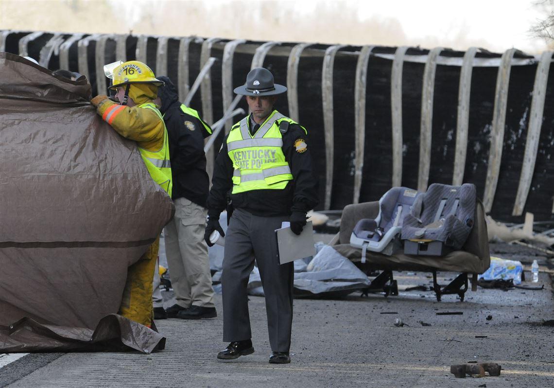 11 killed as semi smashes into Mennonite family van in