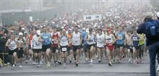 3-500-runners-compete-in-Toledo-s-Glass-City-Marathon