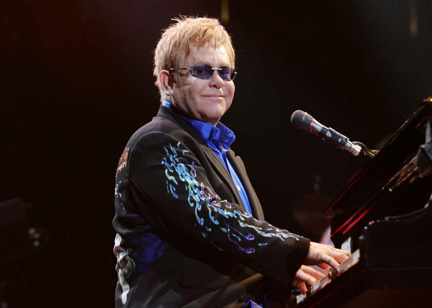 After-17-years-away-rocker-Elton-John-triumphs-in-Toledo-return