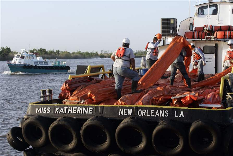 Gulf-oil-spill-starts-oozing-ashore-mess-could-eclipse-Exxon-Valdez