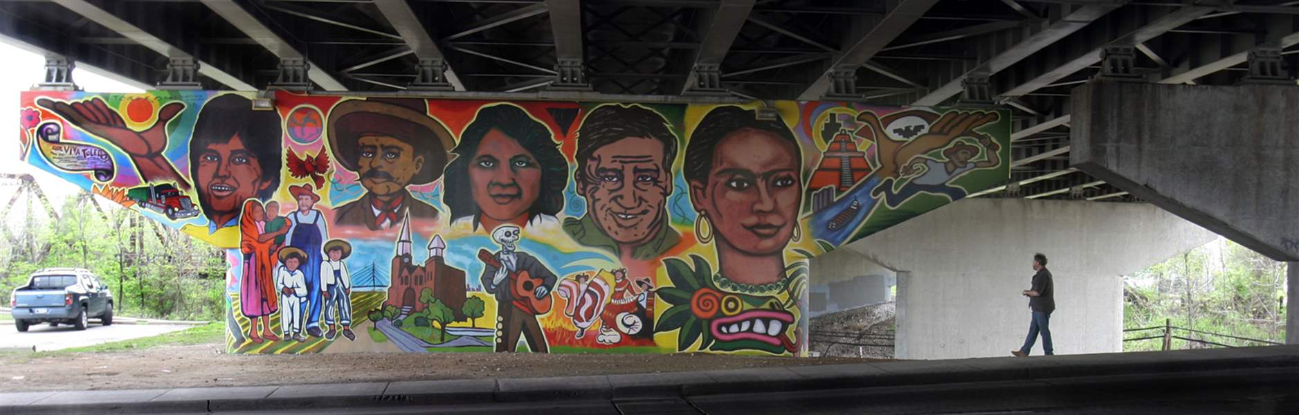 South-Toledo-underpass-becomes-colorful-canvas-2