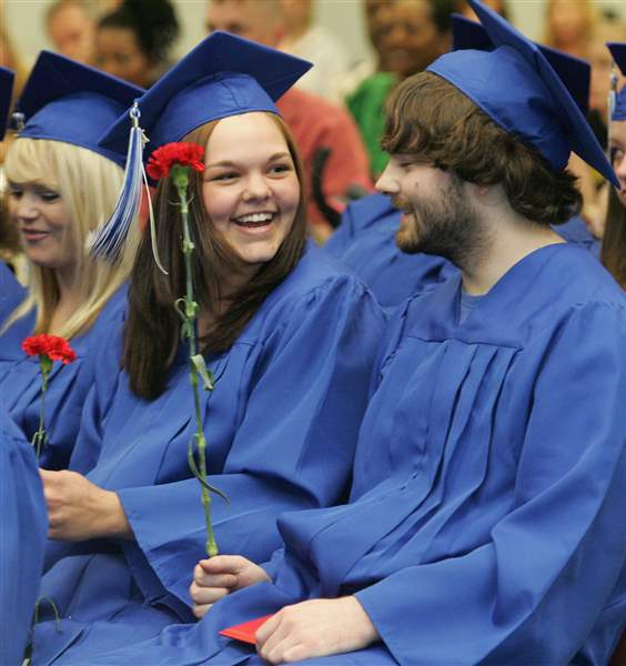 GED-recipients-honored-with-their-own-graduation