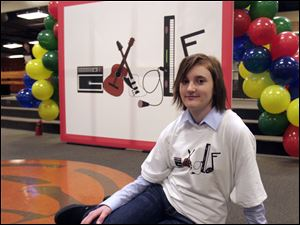 Hailie Lee, a junior at Sylvania Southview High School, flies to New York with her family Tuesday to learn if her entry to Doodle for Google is a national winner for the Internet search engine.<br>