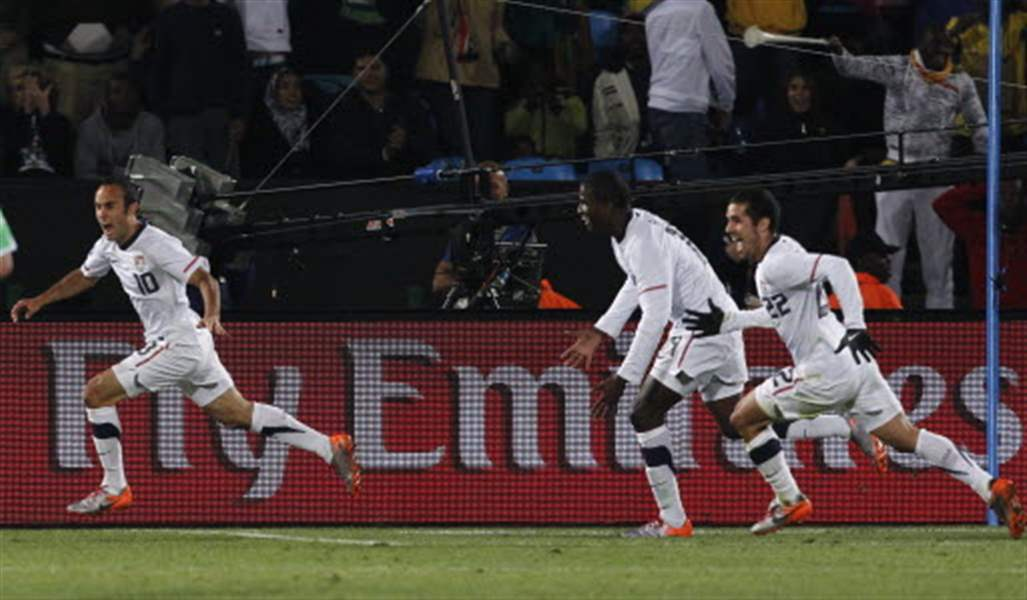 U-S-team-advances-in-World-Cup-with-goal-by-Donovan-2
