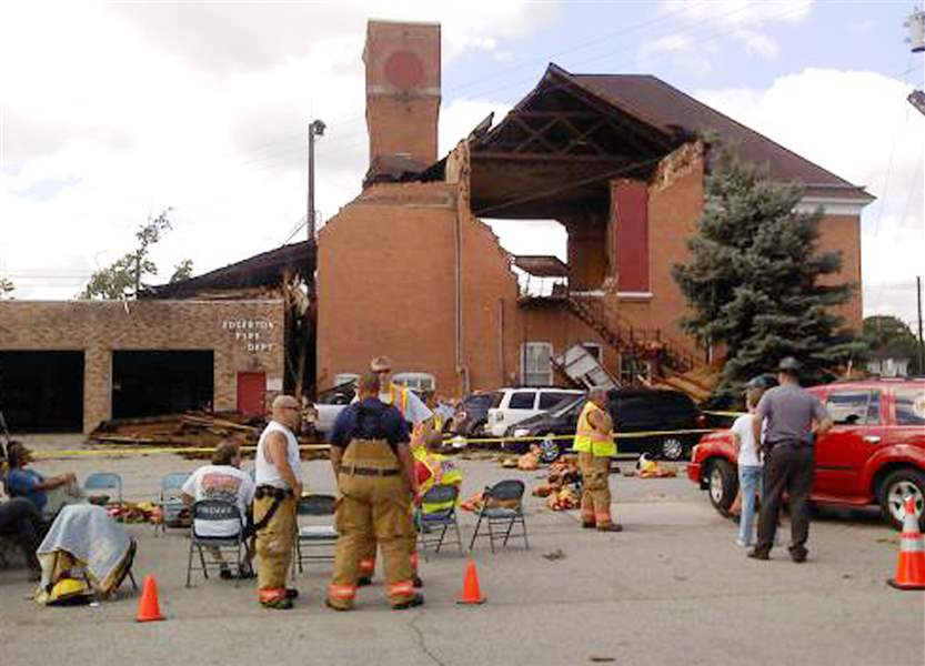 Former-Edgerton-town-hall-to-be-razed-following-storm-damage