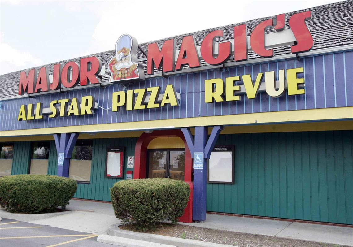 Major Magics All Star Pizza Revue On Monroe Street Has Served In An Establishment