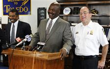 Two-city-officers-won-t-be-forced-to-retire-mayor-apologizes