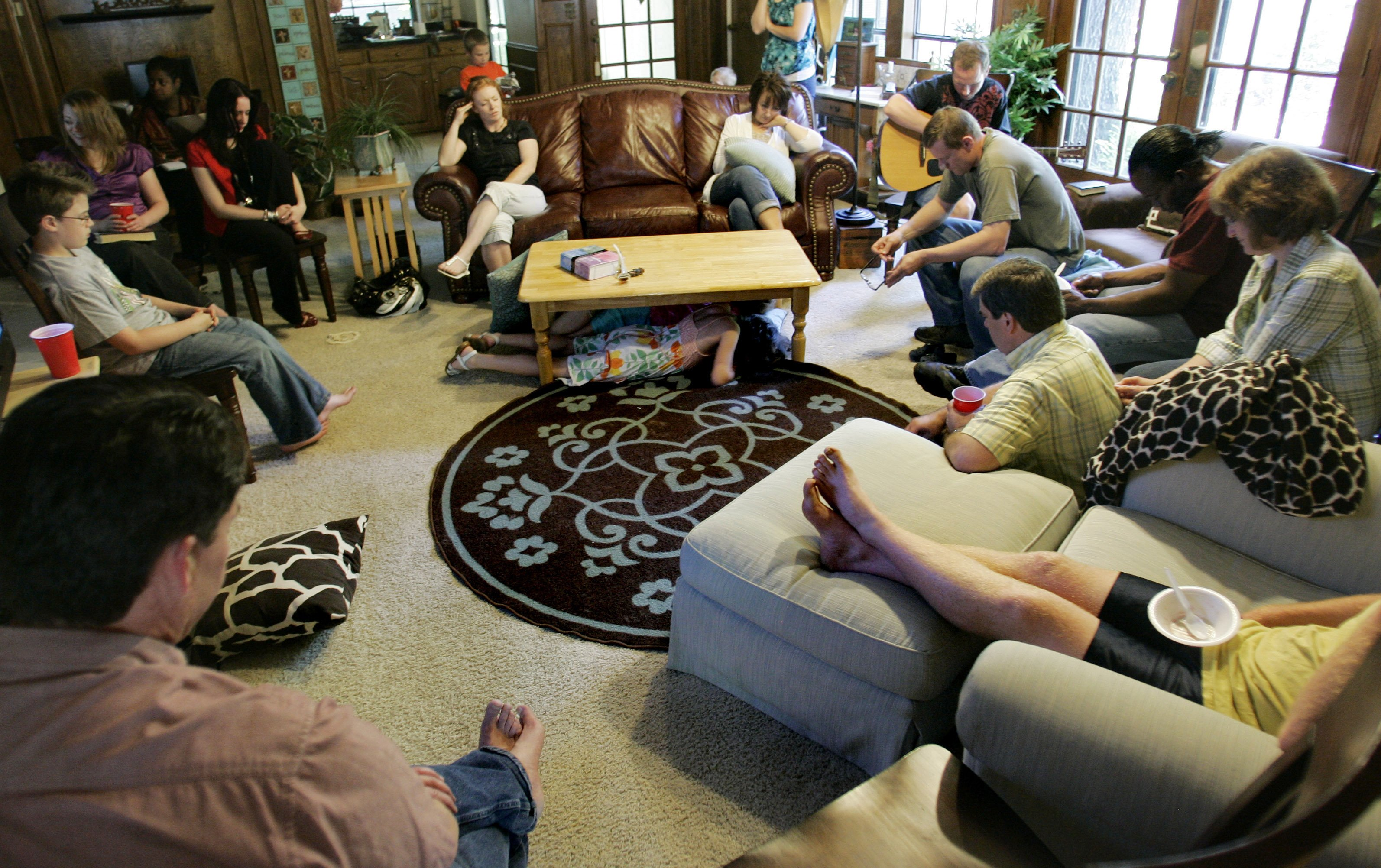 The Living Room Church trend builds for house churches as participants seek cozy setting