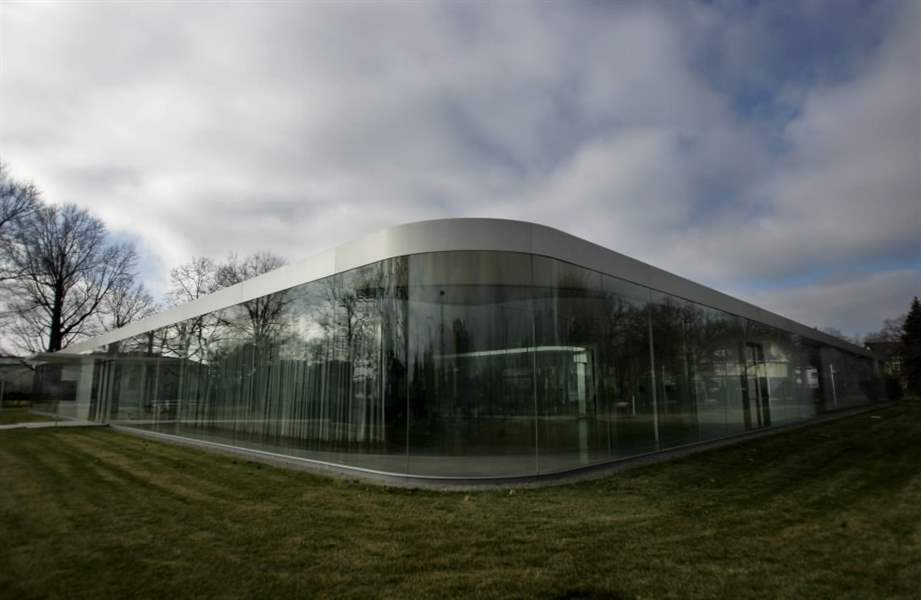 Celebrate-the-art-of-glass-at-museum-s-Glass-Pavilion-2