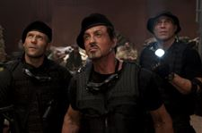 Movie-Review-Cast-puts-the-punch-in-8216-Expendables