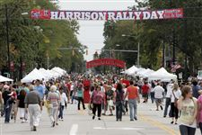 Thousands-turn-out-for-festival-in-Perrysburg-s-historic-district