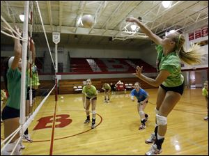 Bedford's volleyball team believes it can return to the top.