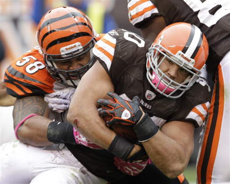 Browns-edge-Bengals-for-first-victory