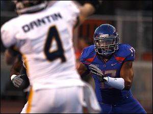 Winston Venable and his Boise State teammates had the R