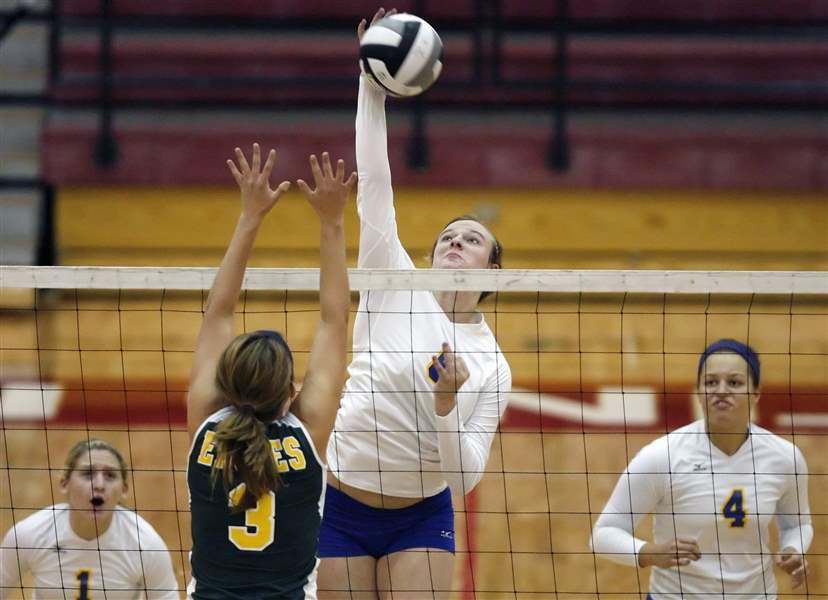 St-Ursula-Notre-Dame-will-meet-for-City-volleyball-title