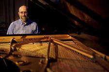 Pianist-Winston-plays-Sunday-at-Collingwood-Arts-Center