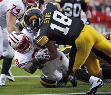 Hawkeyes-mine-Ohio-for-leftover-football-prospects