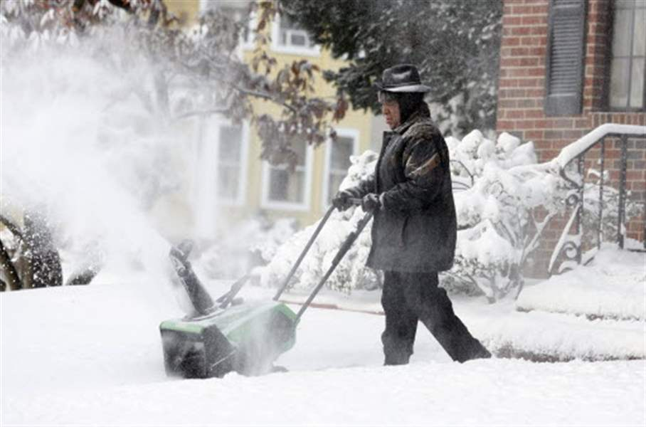 Heavy-snow-closes-Toledo-area-schools