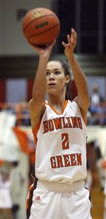 Bowling-Green-s-Prochaska-automatic-at-free-throw-line-2