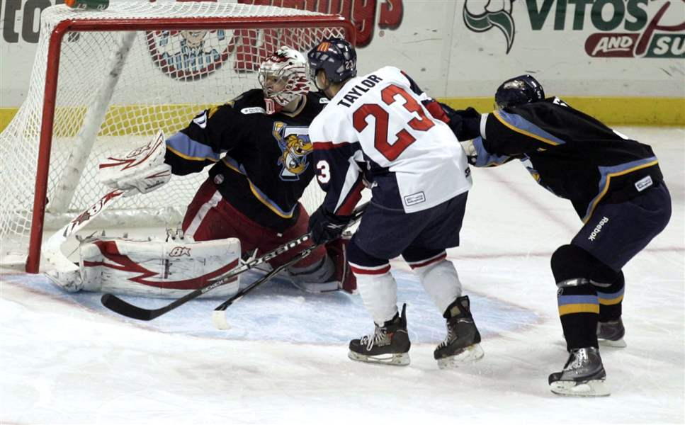 Walleye-buried-by-Kalamazoo-s-1st-period-blitz