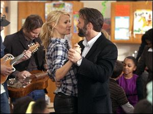 Paltrow and McGraw in a scene from 'Country Strong.'