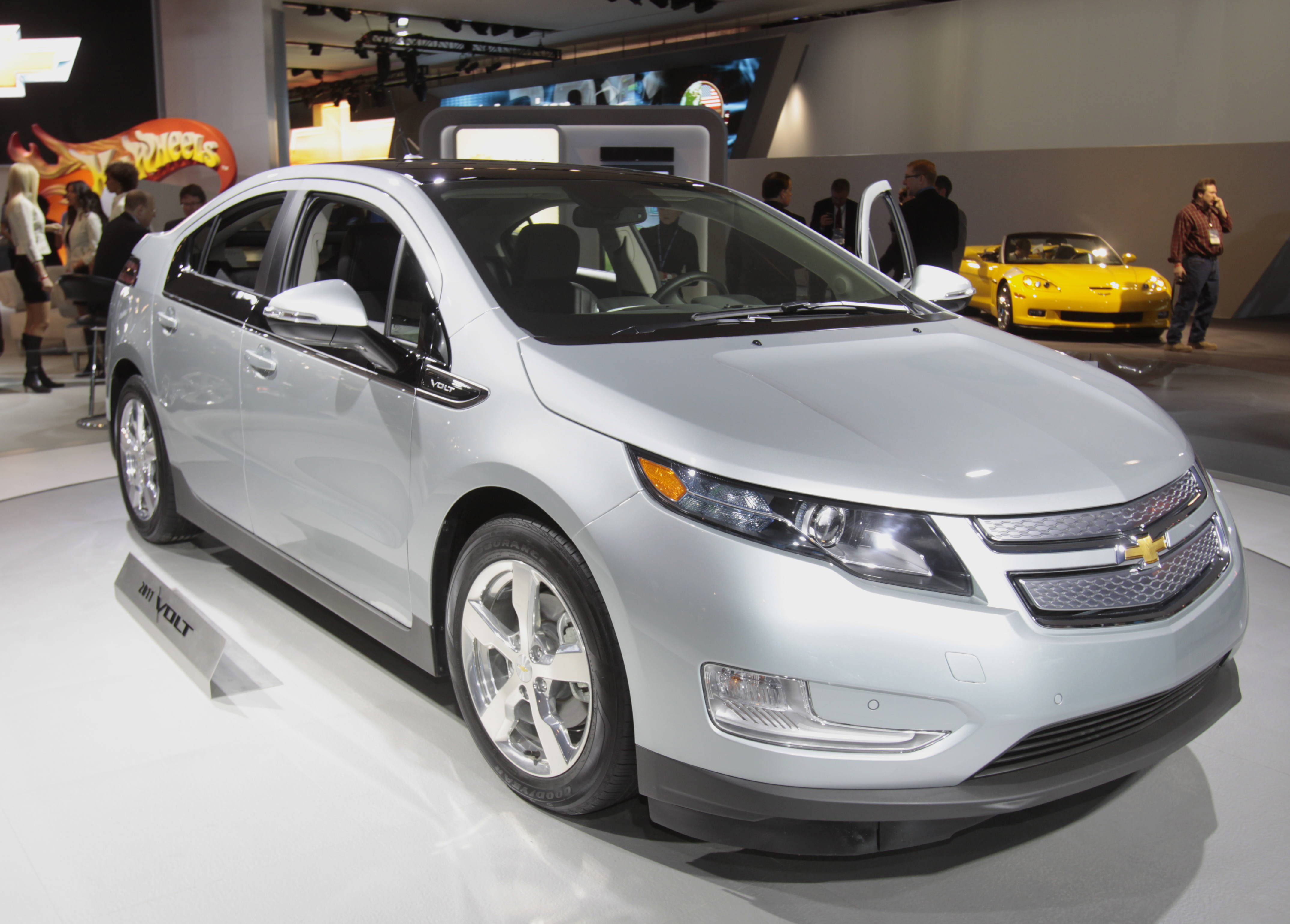 Chevy Volt Explorer By Ford Lauded At Auto Show The Blade Car