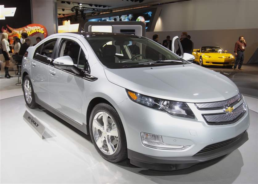 Chevy-Volt-Explorer-by-Ford-lauded-at-auto-show