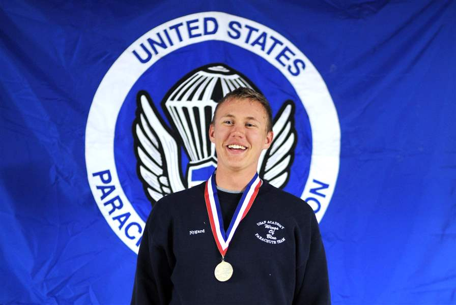 Perrysburg-parachutist-earns-pair-of-medals-for-perfect-formation