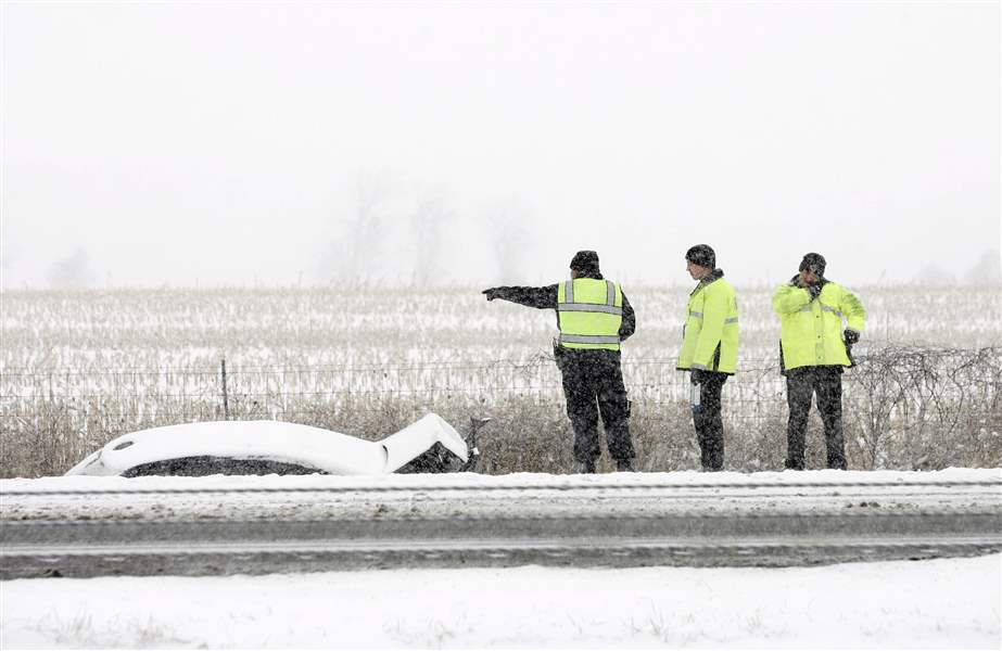 State-trooper-injured-in-weather-related-crash