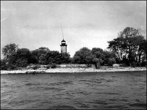 The Yacht Clubs of Toledo leased the island in 1933 and made some improvements to it. This photo was taken in 1958.