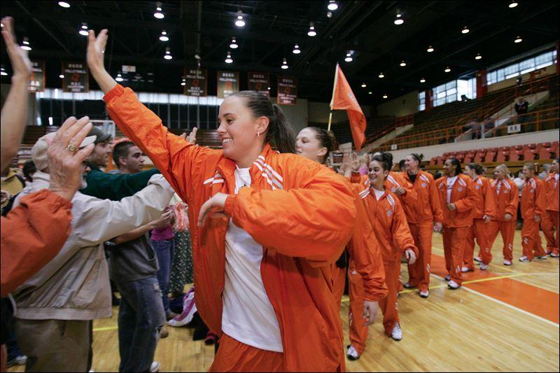 Basketball Arena Fans Basketball Team Greet Fans
