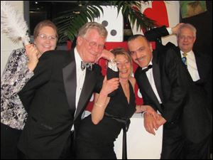 Denise Benton, Roberta and Gary Schraber, Hisham Zrien, and Terry Benton at Oscar Night: Vegas Style.