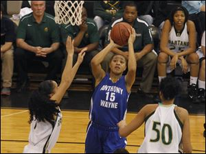 Anthony Wayne's Aisha Potts-Tyre (15) shoots over Start defenders.