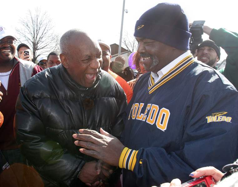 2-000-join-Cosby-on-walk-in-Toledo-neighborhood-4
