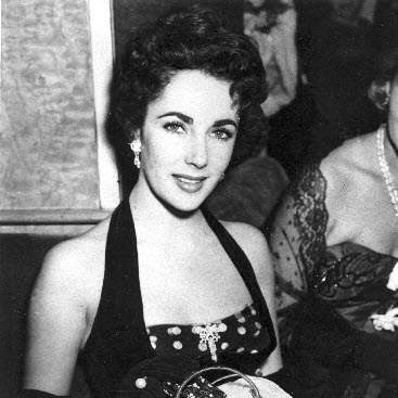 Elizabeth-Taylor-Lady-with-the-Lamp