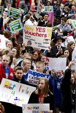 Ohioans-rally-to-cheer-Kasich-s-voucher-plan