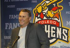 Phil-Nevin-Mud-Hens-manager