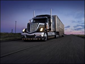 The International LoneStar, Navistar's newest Class 8 truck, has been certified as an EPA SmartWay truck for its fuel efficiency improvements and reductions to greenhouse gas emissions.